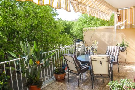 Spacious apartment with large terrace in Molinar