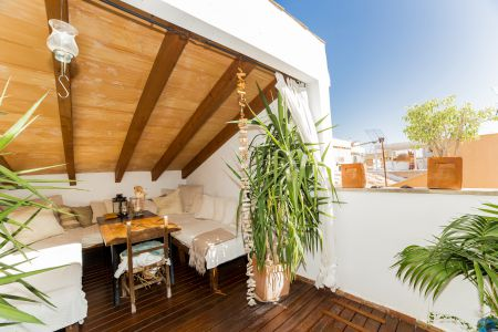 Spacious penthouse with two terraces in Santa Catalina