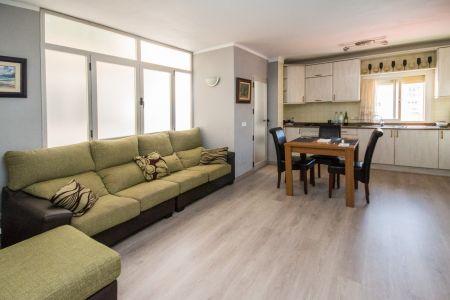 Trevlig lägenhet nära stranden i Molinar