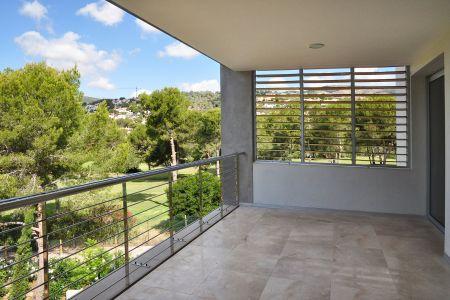Beste Lage mit zwei Schlafzimmern und grosser Terrasse in Bendinat