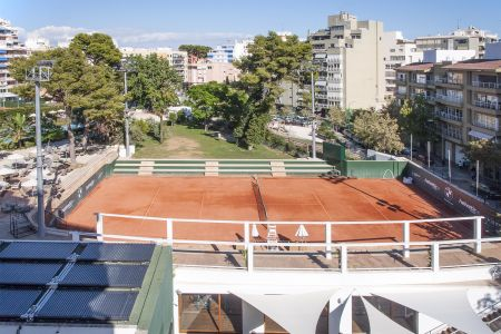 Three bedrooms with views over the tennis club in Son Armadams