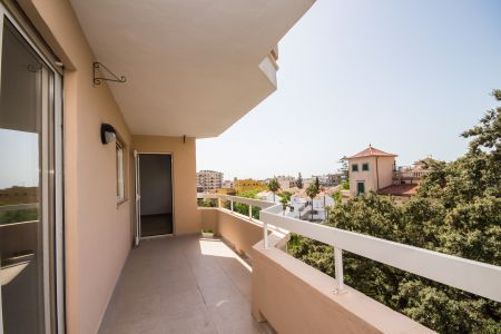 Nicely renovated apartment in good location with a big terrace