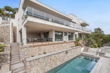 Modern newly constructed villa in Portals Nous