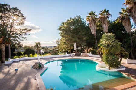 Geräumige und attraktive Villa in S Aranjassa